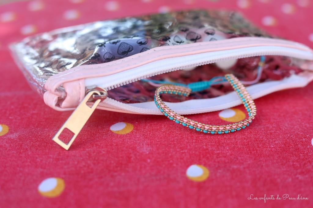 Trousse et bracelet