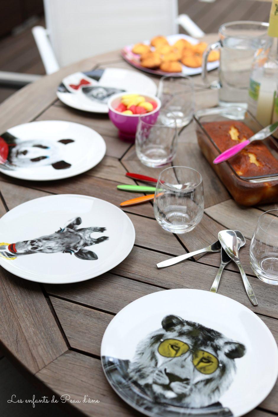 Cadeaux Folies assiettes table