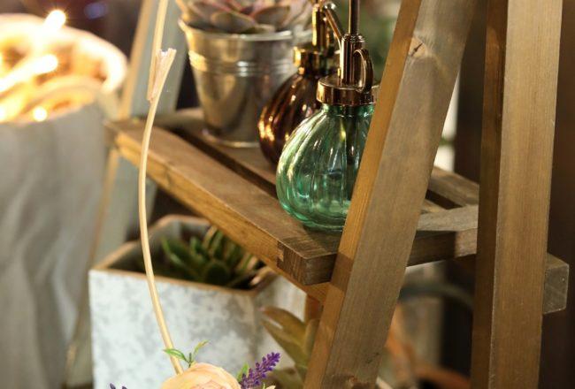 Jardiland - Couronne de fleurs, pots, bibelots